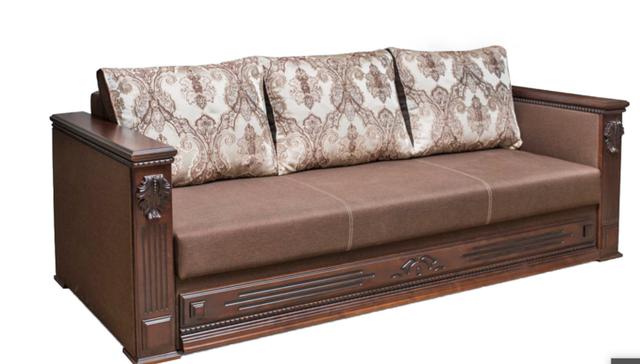 диваны с деревянными подлокотниками классика