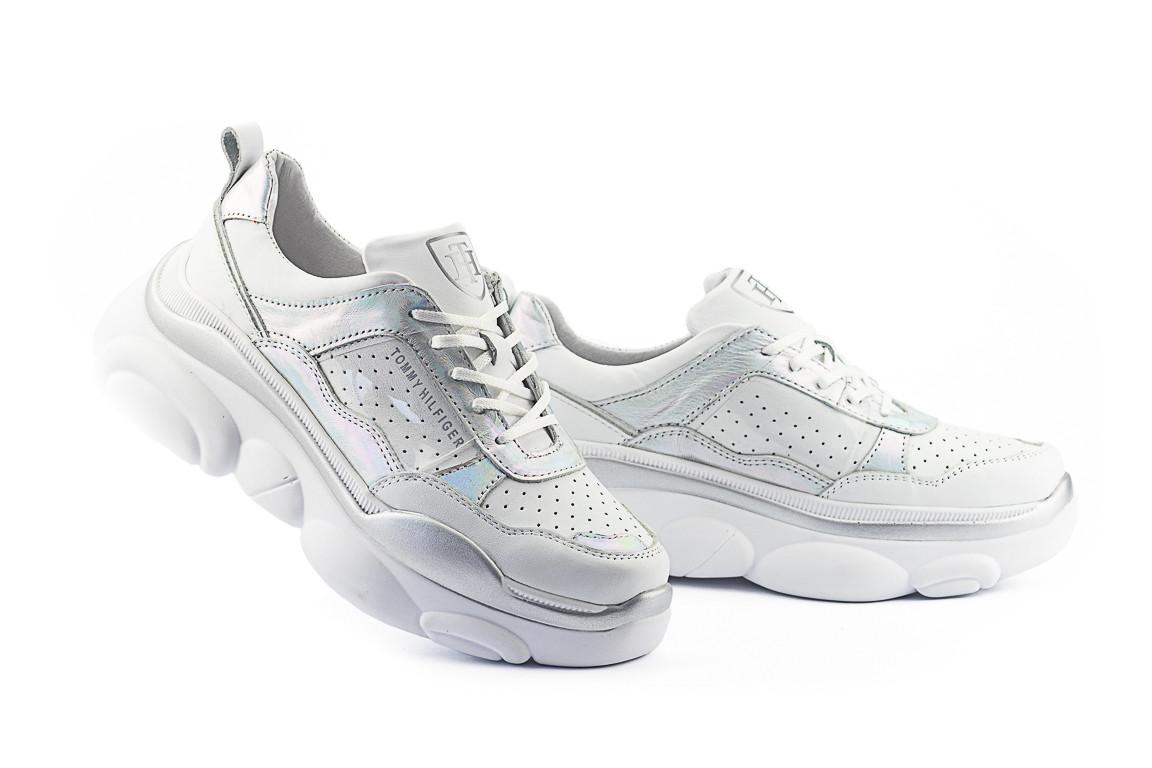 Жіночі кросівки шкіряні весна/осінь білі Onward Tommy 252