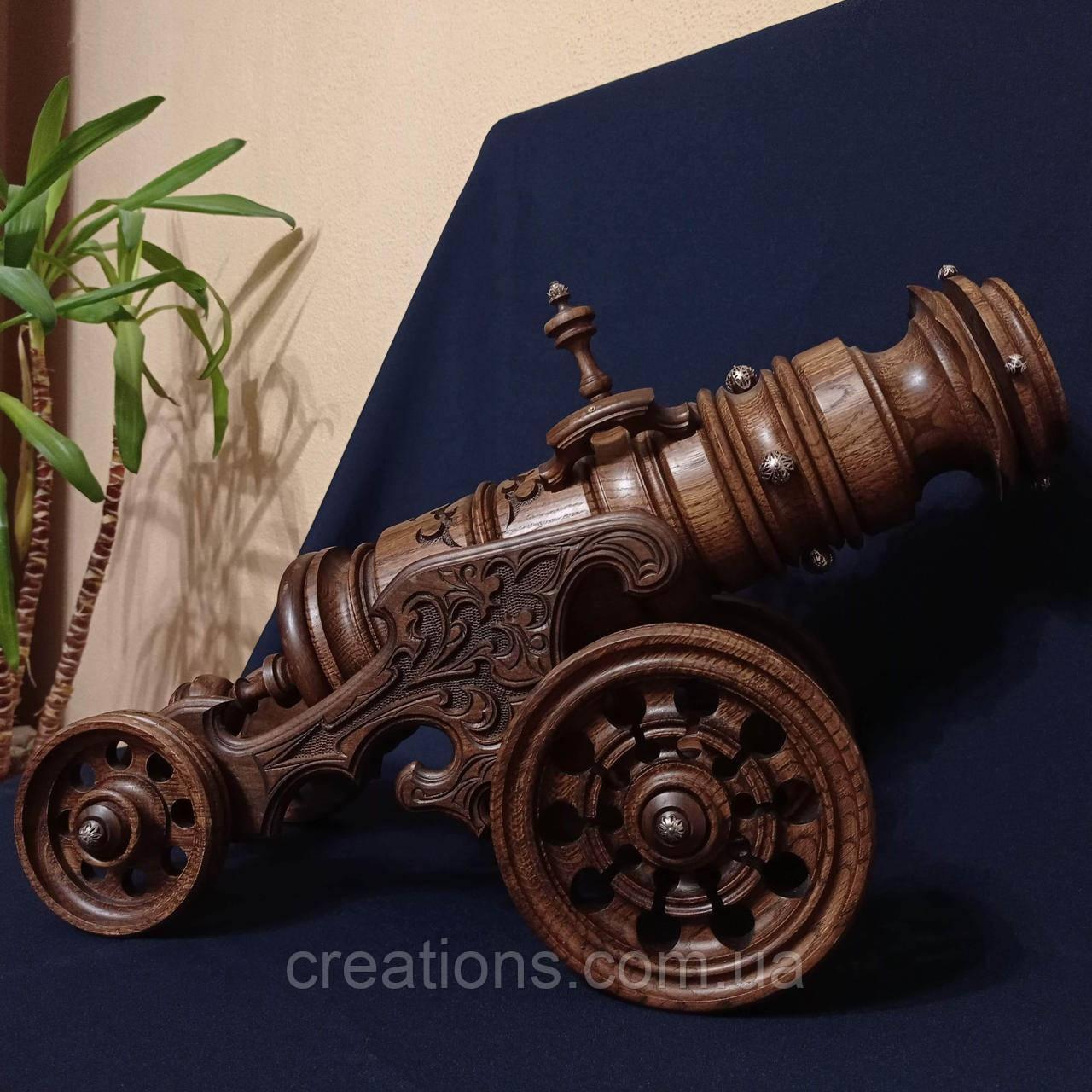 Дерев'яна гармата під пляшку вина, різьблення, дерево горіх, ручна робота
