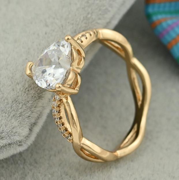 Кольцо Xuping 15258 размер 20 белые фианиты ширина 9 мм вес 2.4 г позолота 18К