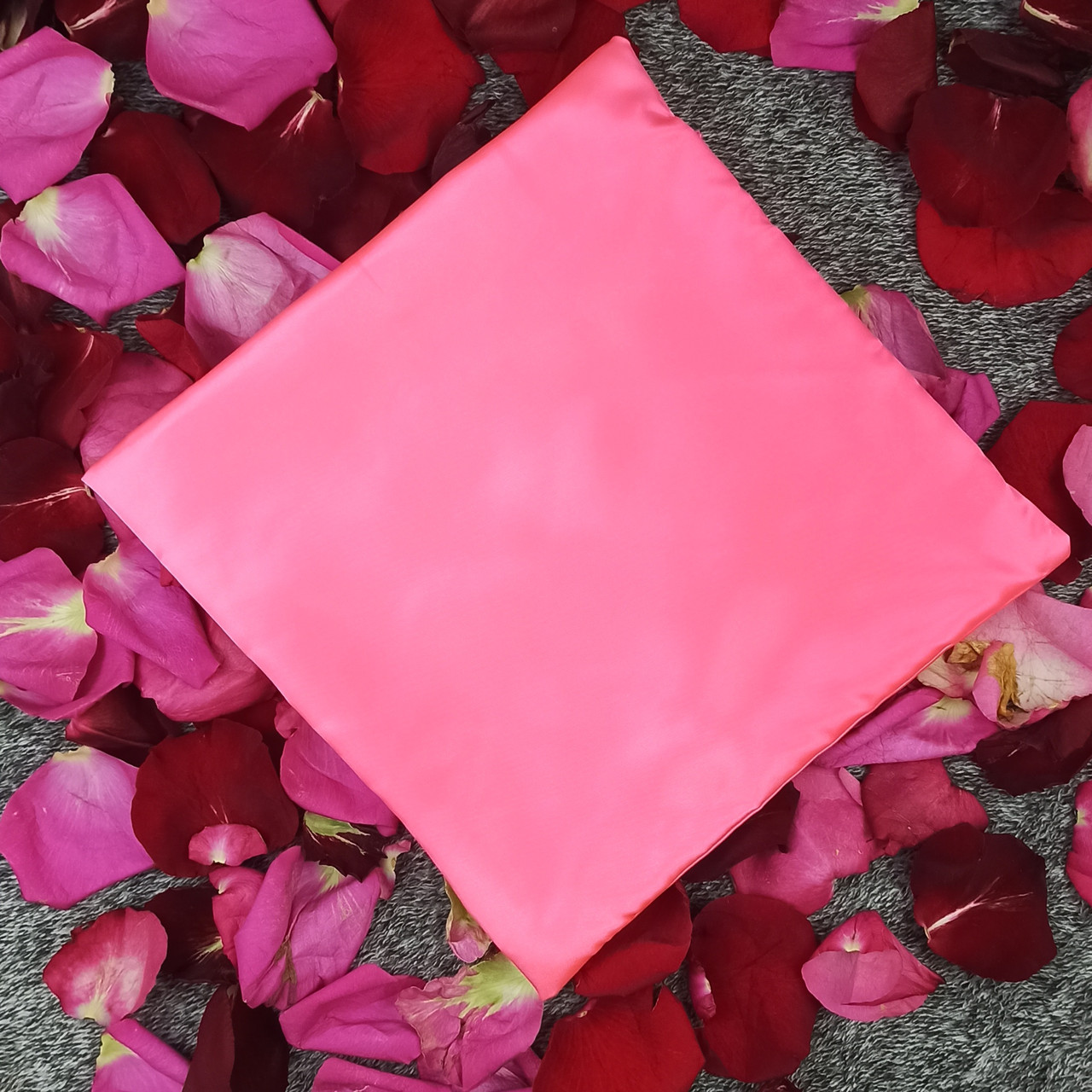 Наволочка, 30*30 см, (атлас), (розовый неон)