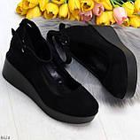 Удобные женственные лаконичные черные замшевые женские туфли на танкетке, фото 9