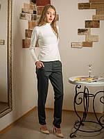 Классические женские брюки из принтованой ткани в клетку с карманами