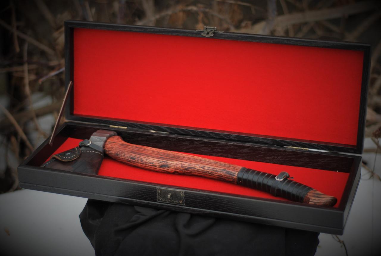 Кована сокира ручної роботи в подарунковій коробці оригінальній подарунок чоловіку