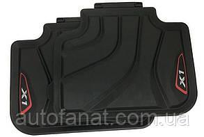 Оригинальные задние коврики салона BMW X1 (F48) Sport черные/красные (51472365857)