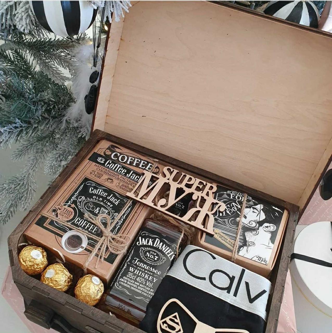 Подарочный набор * SUPER МУЖ * чемодан ( алкоголь, конфеты, трусы, кофе)