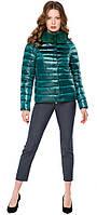 Изумрудная осенне-весенняя практичная куртка женская модель 40267