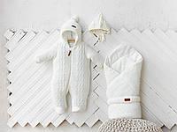 """Вязаный набор для новорожденных молочного цвета """"Tress+Косы"""": конверт + комбинезон + шапочка, фото 1"""