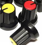 Ручка для змінного резистора R-02 жовта (D=15мм H=15мм), з покажчиком, фото 3