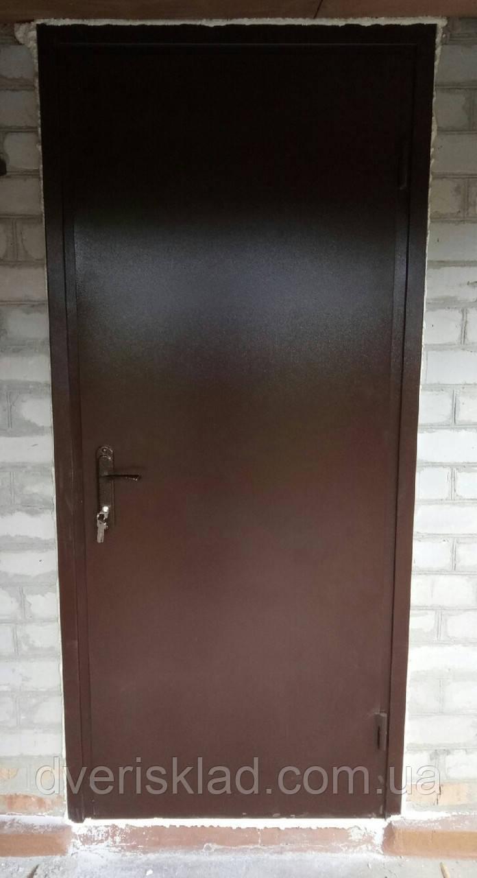 Двері вхідні стандарт висота 1900 мм. Утеплені з обробкою. 850 ліві