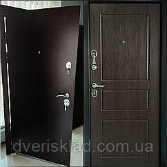 Дверь входная VIP, полотно 95мм, 3 контура притвора. 860*2050 правая уценка!