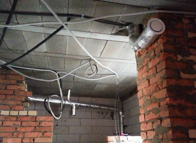 Вентиляционные изолированные трубы.