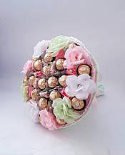 Букет из конфет сладкий подарок Фиеста 2  конфетный букет с цветами розово - салатовый