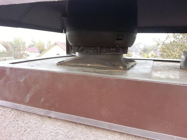 Монтаж вентиляционного дефлектора на существующий кирпичный дымоход.