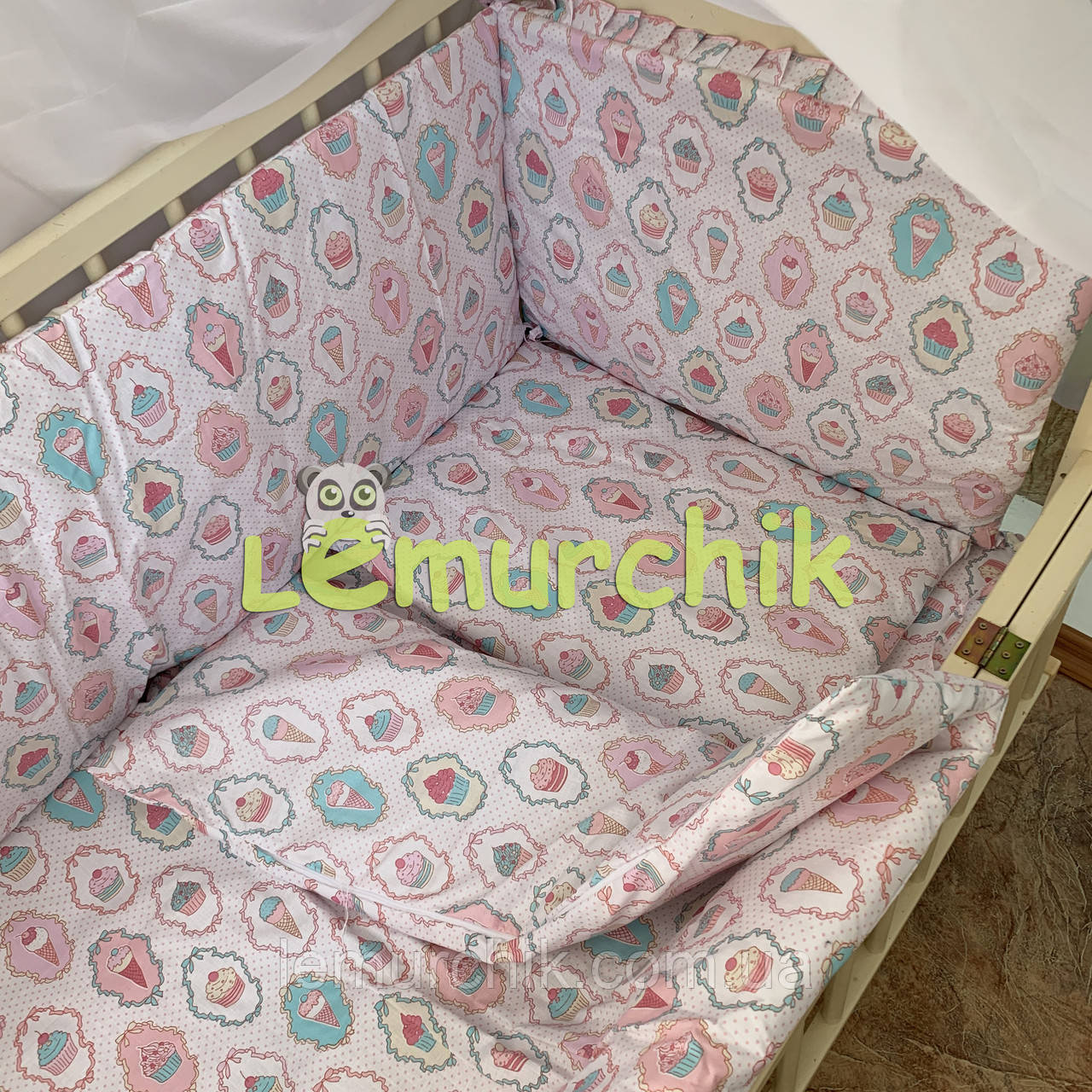 """Постельный набор в детскую кроватку (8 предметов) Premium """"Пирожные"""""""