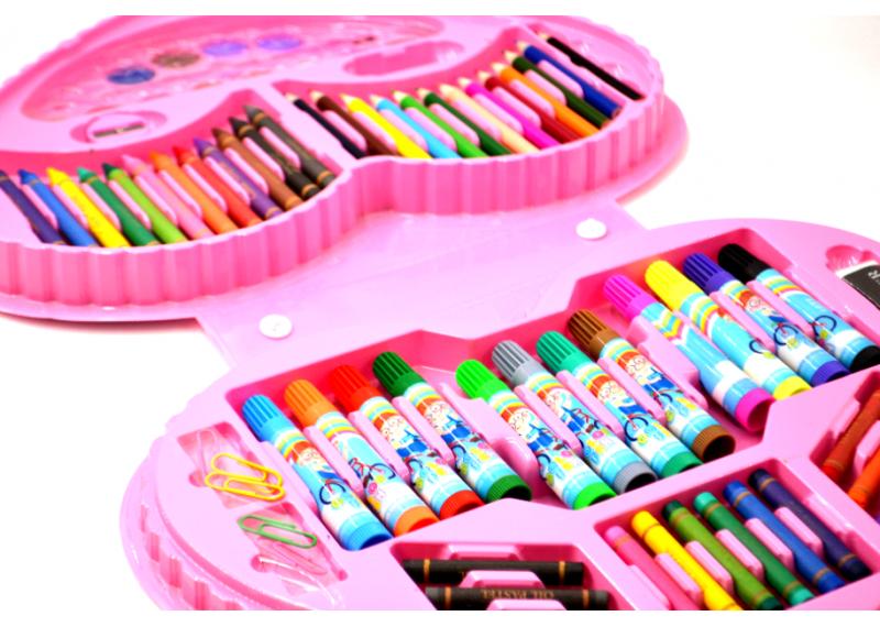 Набор для детского творчества в чемодане сердце 72 пр.   Набор для рисования Чемоданчик юной художницы розовый