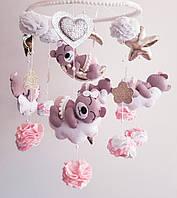 Детский мобиль на кроватку «Мишки на облаках в розовом»