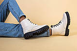 Ботинки женские кожаные бежевые на черной подошве, зимние, фото 6
