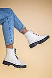 Ботинки женские кожаные бежевые на черной подошве, зимние, фото 10