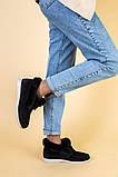 Лоферы женские замшевые черные с опушкой на светлой подошве, фото 2