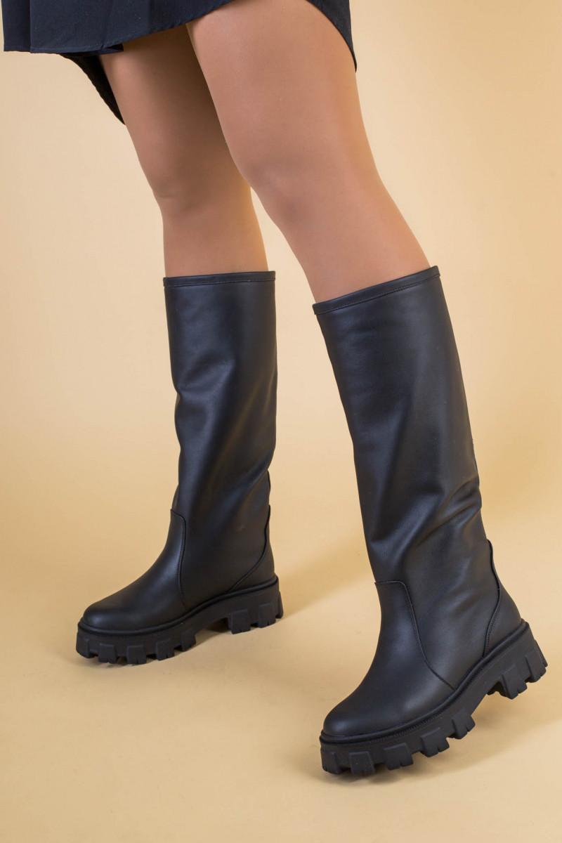 Сапоги-трубы женские кожа черного цвета, зимние