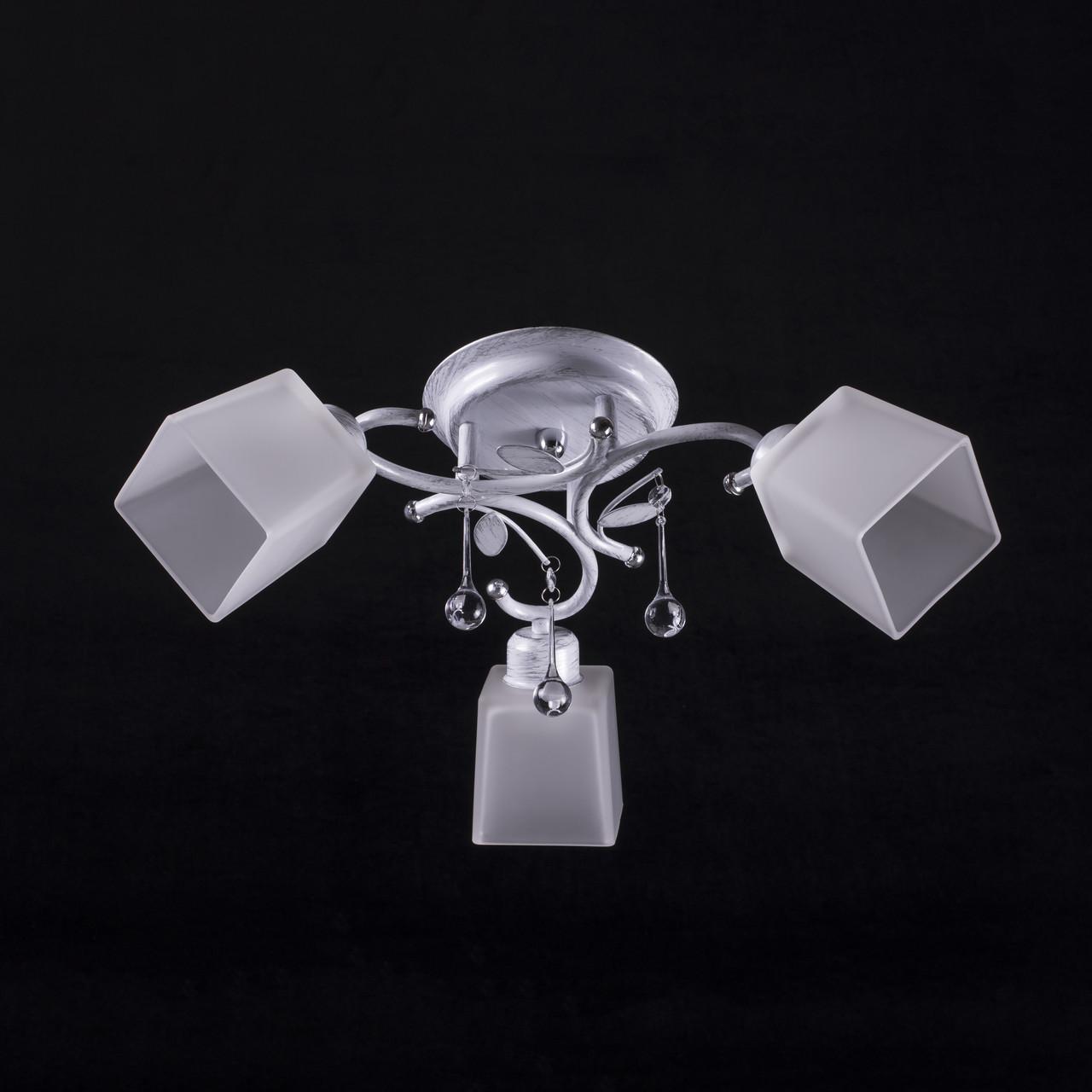 Люстра на 3 лампочки (белая патина). P3-37395/3C/TS+WT