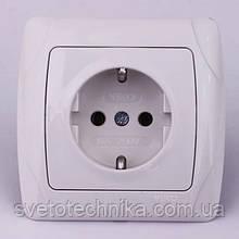 Розетка электрическая VI-KO Carmen скрытой установки одинарная с заземлением (белая)