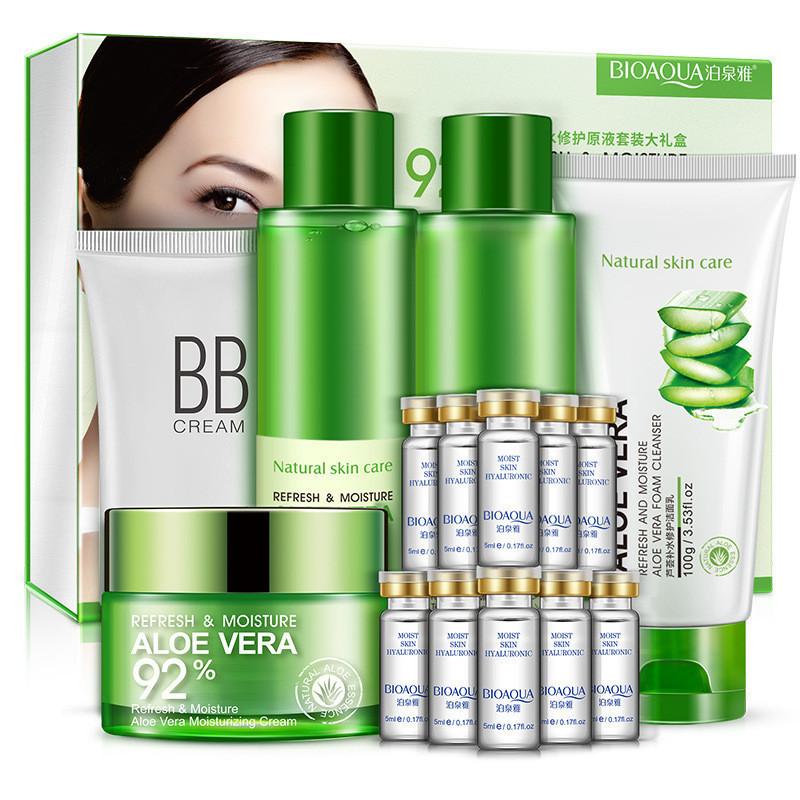 Подарочный набор с алое вера Bioaqua Aloe Vera 92% Refresh & Moisture (15 предметов)