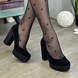 Женские черные замшевые туфли на высоком каблуке, декорированы стразами, фото 7