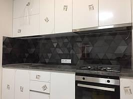 Стеклянная панель для кухни с фотопечатью треугольников 3