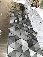 Стеклянная панель для кухни с фотопечатью треугольников 2