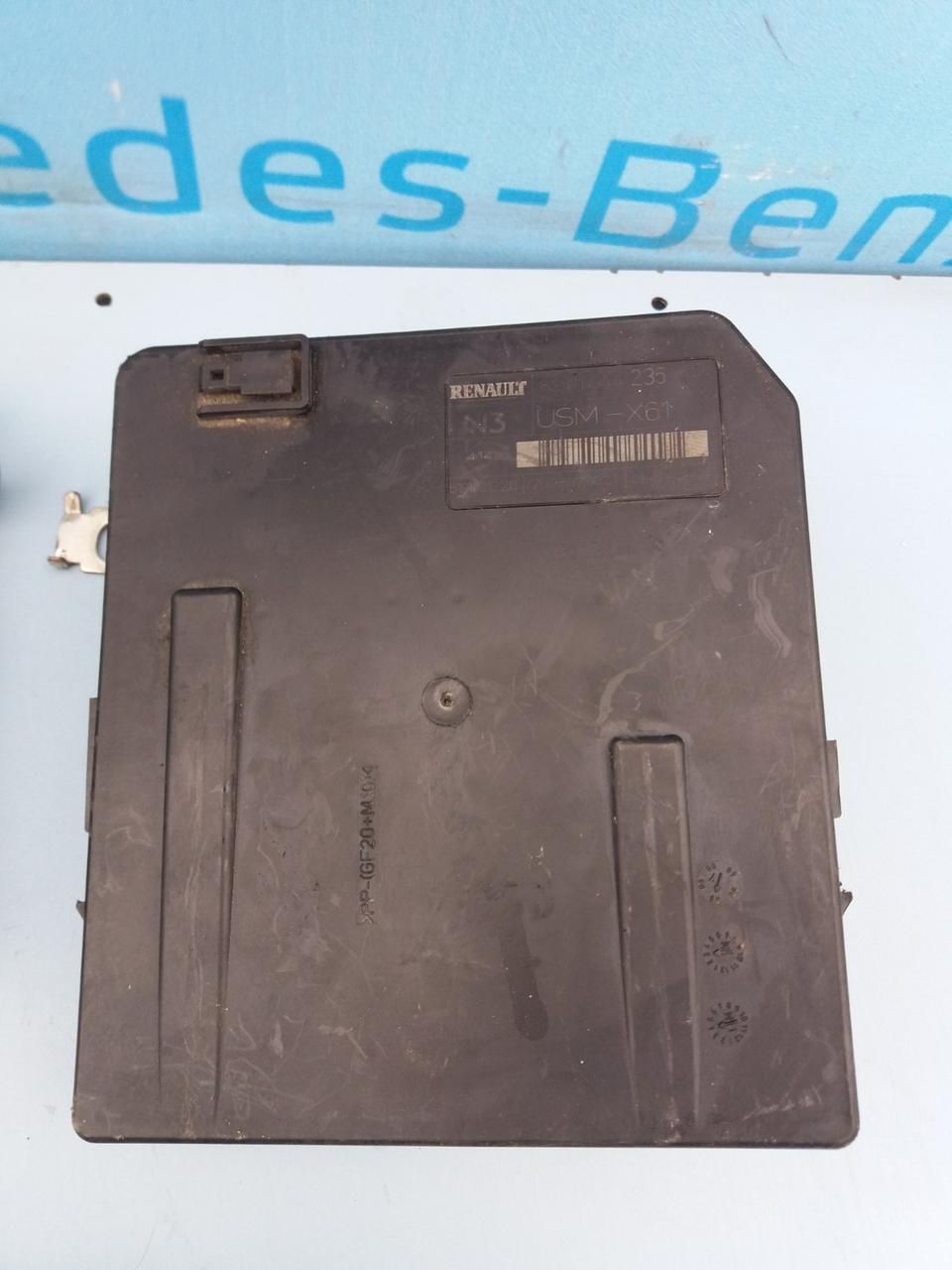 Блок запобіжників 8200924038 для Рено Меган 2 1.6 бензин Renault Megane II