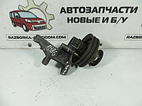 Кронштейн генератора 2.4D с роликом Volvo 240 (1974-1993) ОЕ:069903143a
