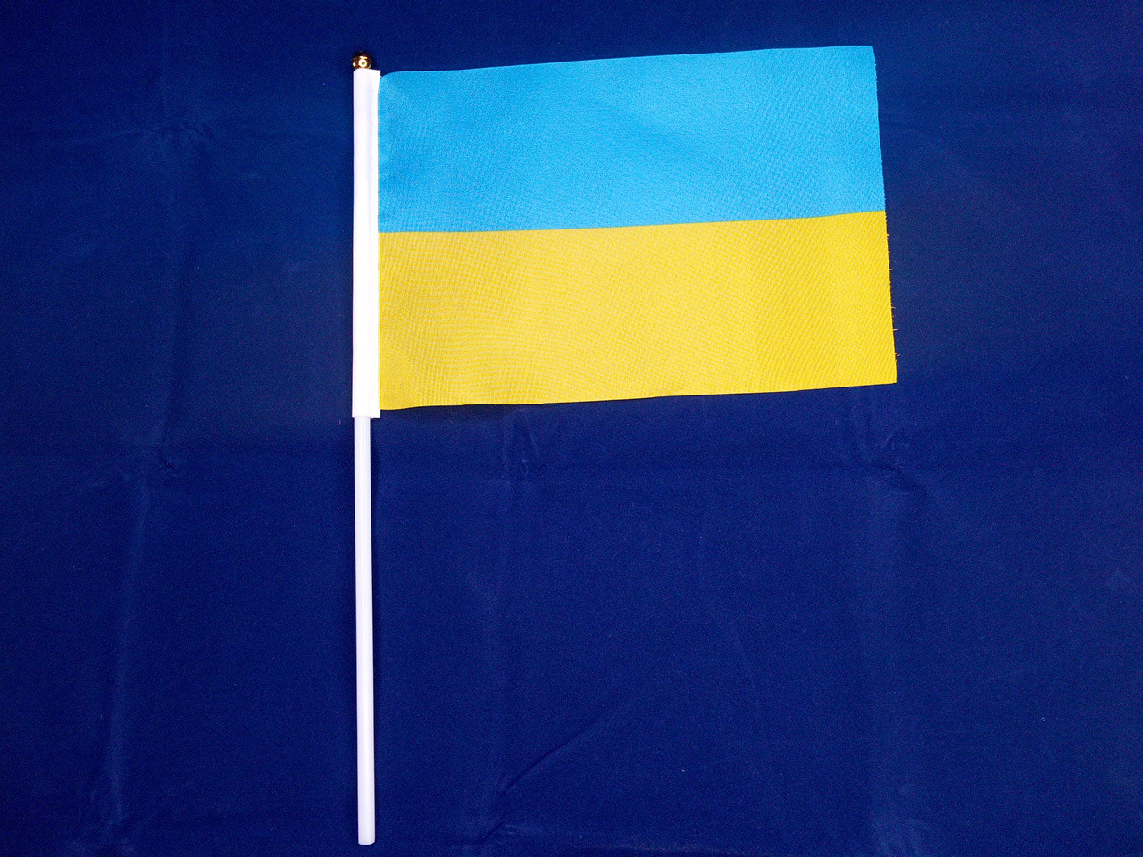 Флажок Украины 14х21см на пластиковом флагштоке