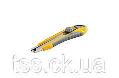 Нож 18 мм ABS пластик TPR покрытие ЭРГО с металлической направляющей винтовой замок 3 лезвия MASTERTOOL