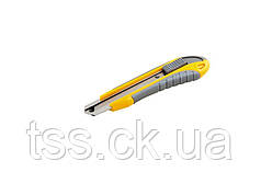Нож 18 мм ABS пластик TPR покрытие ЭРГО с металлической направляющей кнопочный фиксатор 3 лезвия MASTERTOOL
