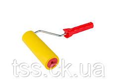 Валик прижимной обойный MASTERTOOL 58х180 мм d 8 мм с ручкой 92-6418