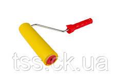 Валик прижимной обойный MASTERTOOL 58х250 мм d 8 мм с ручкой 92-6425