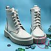 Белые женские ботинки-Мартинс