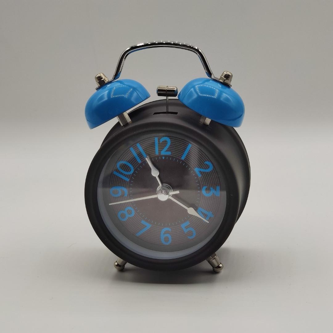 Часы-будильник  настольные, диаметр 8 см