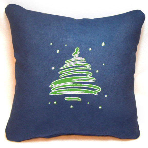 "Новогодняя подушка  ""Заснеженная елка"" 34"