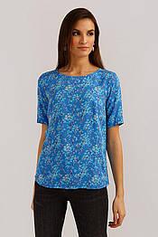 Легкая блузка на лето из вискозы с коротким рукавом Finn Flare B19-110105-122 цветочный принт голубая