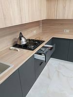 Встроенная двухуровневая угловая кухня лоджия 2,58*1,0*1,3 м 2