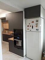 Встроенная двухуровневая угловая кухня лоджия 2,58*1,0*1,3 м 5