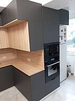 Встроенная двухуровневая угловая кухня лоджия 2,58*1,0*1,3 м 8