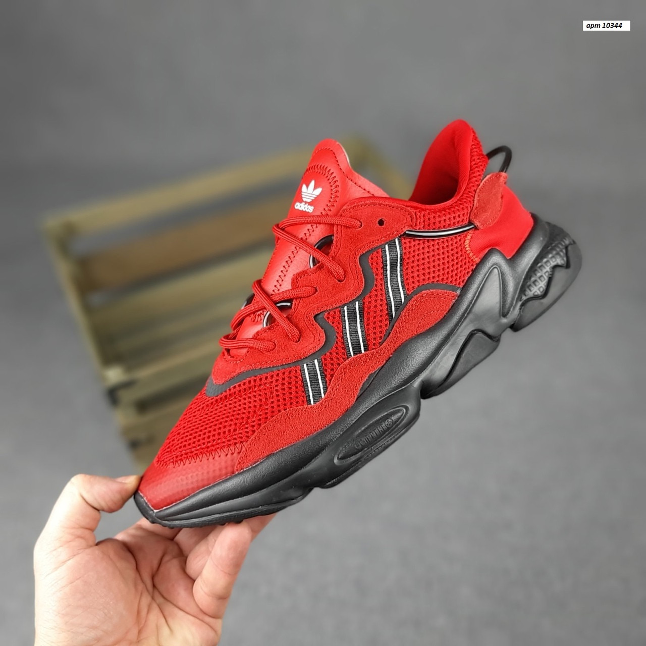 Мужские спортивные кроссовки Adidas Ozweego (красные) 10344 демисезонные низкие кроссы