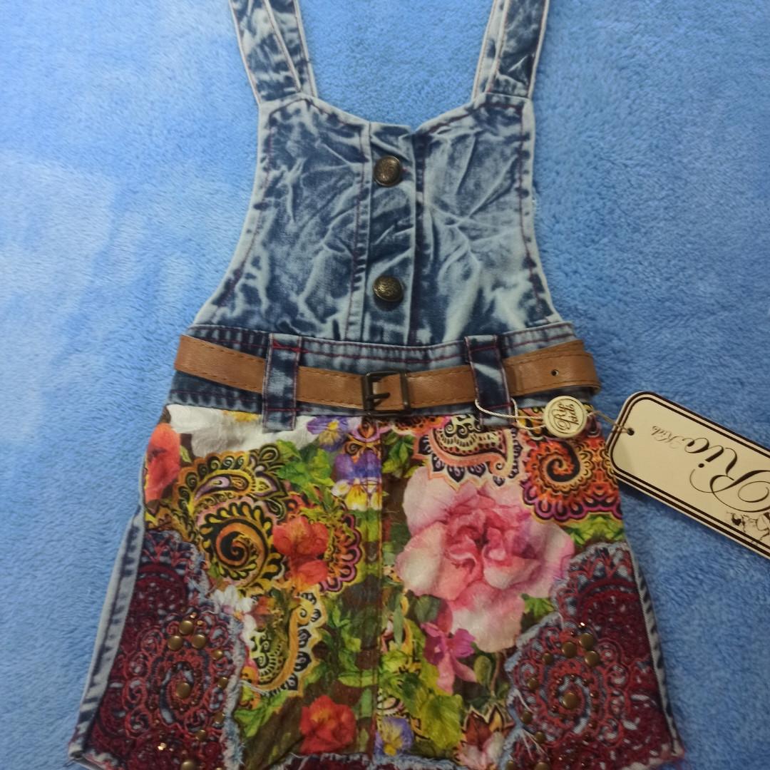 Сарафан джинсовий модний гарний святковий оригінальний, з вишивкою і поясом для дівчинки