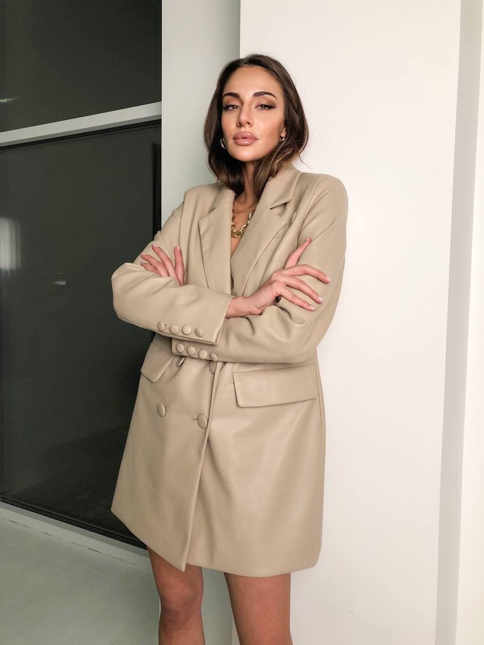 Платье - пиджак из экокожи свободного кроя нарядное с карманами (р. S, M) 58032037