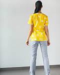 Медицинский женский костюм Топаз принт короны желтые, фото 2