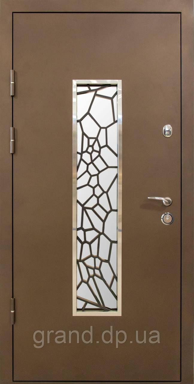 Двери входные металлические уличные со стеклом и ковкой  Магда 142/4 Белое дерево Винорит